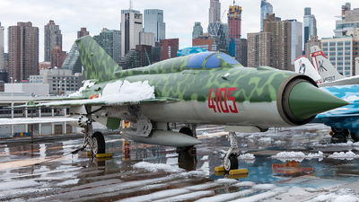 4105 - Mikoyan-Gurevich MiG-21PFM Fishbed - Vietnam - Air Force