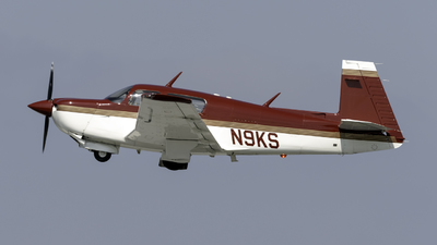A picture of N9KS - Mooney M20J - [243388] - © Connor Ochs