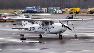 A picture of N7160N - Cessna 172 - [172S11628] - © Niko Korpela