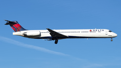 N918DL - McDonnell Douglas MD-88 - Delta Air Lines