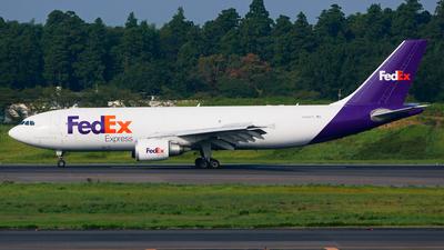 A picture of N689FE - Airbus A300F4605R - FedEx - © Shogo Kawai