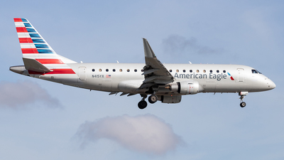 A picture of N415YX - Embraer E175LR - American Airlines - © Felipe Garcia