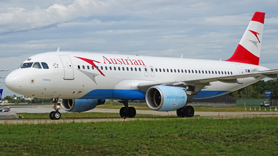 OE-LBM - Airbus A320-214 - Austrian Airlines