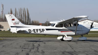 D-EFSP - Cessna 172S Skyhawk SP - Private