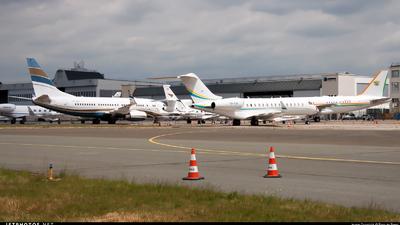 LFPB - Airport - Ramp