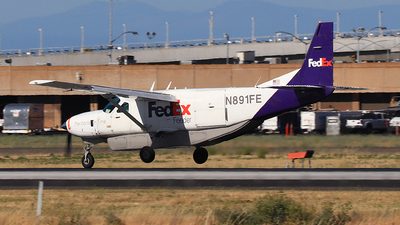 N891FE - Cessna 208B Super Cargomaster - FedEx Feeder (West Air)