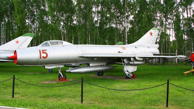 15 - Sukhoi Su-7BKL Fitter A - Russia - Air Force