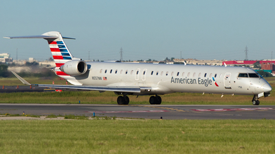 A picture of N557NN - Mitsubishi CRJ900LR - American Airlines - © Alex I.
