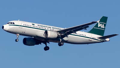 AP-BLA - Airbus A320-214 - Pakistan International Airlines (PIA)