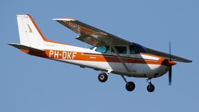 A picture of PHDKF - Cessna F172P Skylane - [02124] - © C. v. Grinsven