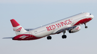 VP-BVQ - Airbus A321-231 - Red Wings