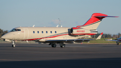 N800BD - Bombardier BD-100-1A10 Challenger 300 - Private