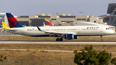 A picture of N107DN - Airbus A321211 - Delta Air Lines - © Jeremy Liu