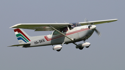 HA-SKN - Cessna R172K Hawk XP II - Private