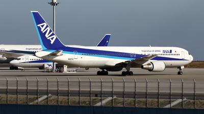 A picture of N113TU - Boeing 767381 - [25657] - © Yoshiharu Ozaki