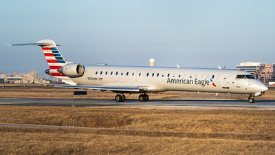 A picture of N550NN - Mitsubishi CRJ900LR - American Airlines - © Gregory Granovski