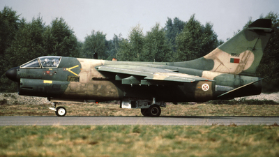 15512 - LTV A-7P Corsair II - Portugal - Air Force