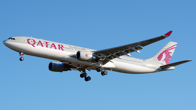 A picture of A7AEE - Airbus A330302 - Qatar Airways - © Laszlo Fekete
