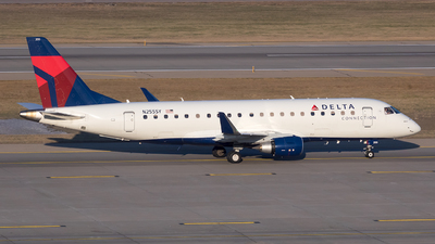 A picture of N255SY - Embraer E175LR - Delta Air Lines - © Stephen J Stein