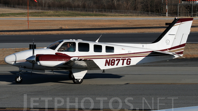 A picture of N87TG - Beech 58 Baron - [TH1967] - © Agustin Anaya