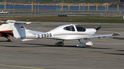 D-ERDS - Diamond DA-40 Diamond Star - Private
