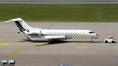 M-ULTI - Bombardier BD-700-1A10 Global Express - Private