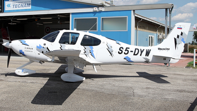 S5-DYW - Cirrus SR22 - Private