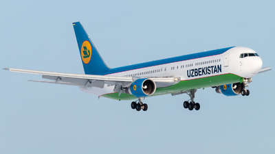 UK-67007 - Boeing 767-3CB(ER) - Uzbekistan Airways