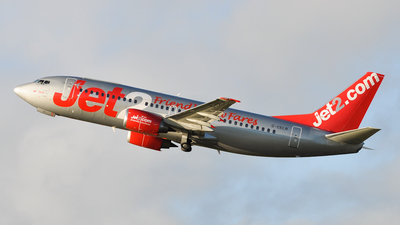 G-CELR - Boeing 737-330(QC) - Jet2.com