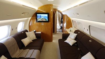B-3219 - Embraer 190 Lineage 1000 - SR JET
