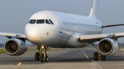 LZ-MDK - Airbus A320-232 - Via Airways