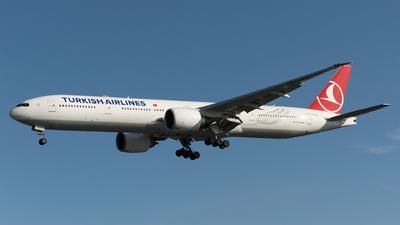 A picture of TCLKC - Boeing 7773U8(ER) - Turkish Airlines - © Daniel Riederer