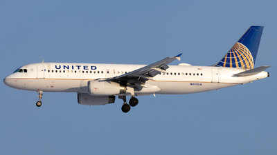 A picture of N445UA - Airbus A320232 - United Airlines - © Michael Place