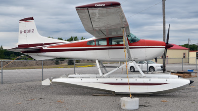 C-GDHZ - Cessna 180J Skywagon - Private