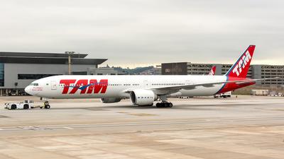 PT-MUE - Boeing 777-32WER - TAM Linhas Aéreas