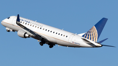 A picture of N207SY - Embraer E175LR - United Airlines - © Mike MacKinnon