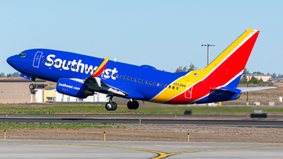 A picture of N253WN - Boeing 7377H4 - Southwest Airlines - © Spokanespotter
