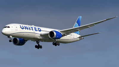 A picture of N24976 - Boeing 7879 Dreamliner - United Airlines - © Juan Contreras