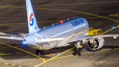 HL8092 - Bombardier CSeries CS300 - Korean Air