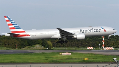 A picture of N717AN - Boeing 777323(ER) - American Airlines - © Akihiko Takahashi