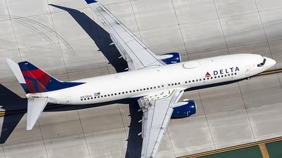 N372DA - Boeing 737-832 - Delta Air Lines