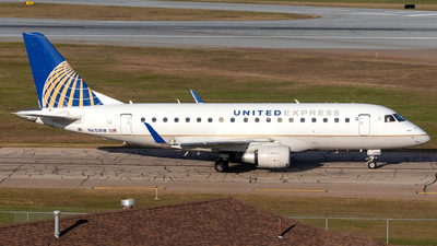 A picture of N651RW - Embraer E170SE - United Airlines - © Azillion 737