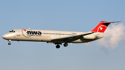N752NW - McDonnell Douglas DC-9-41 - Northwest Airlines