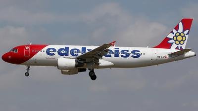 A picture of HBIHZ - Airbus A320214 - Edelweiss Air - © Jorge Medina Mediavilla