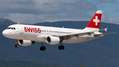 A picture of HBJLR - Airbus A320214 - Swiss - © Alexandre Faroux