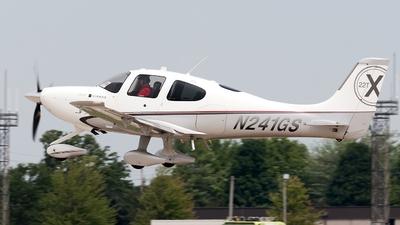 A picture of N241GS - Cirrus SR22T - [0032] - © Jeremy D. Dando