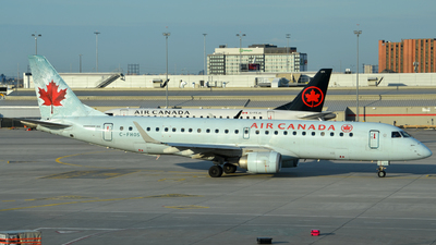 A picture of CFHOS - Embraer E190AR - [19000101] - © Henrik Hedde