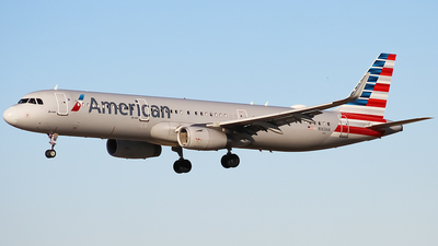 A picture of N163AA - Airbus A321231 - American Airlines - © Zachary Bogart