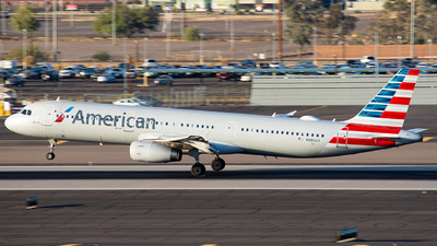 A picture of N980UY - Airbus A321231 - American Airlines - © Alexander Owen