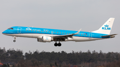 A picture of PHEZK - Embraer E190STD - KLM - © Łukasz Stawiarz